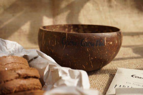 Grow-Grow Nut Starterpaket - Upcycling Kokosnuss-Schale