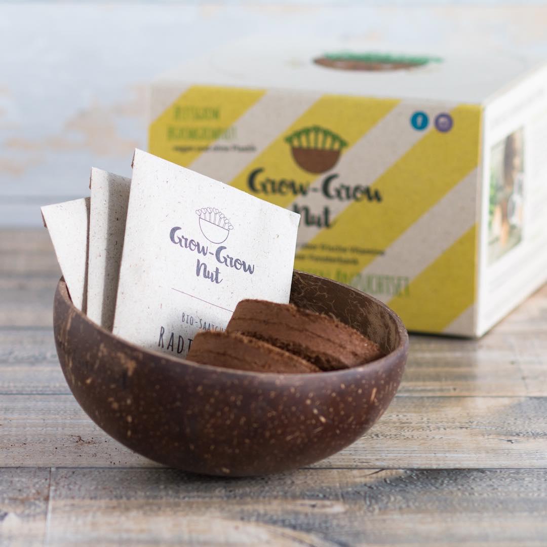GrowNut - Keimgerät aus einer Kokosnuss